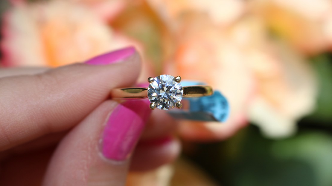 Wimmers Diamonds Answers Your 10 Questions About Engagement Ring